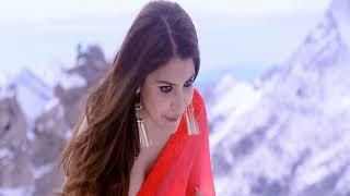 Anushka Sharma sexy cleavage in saree