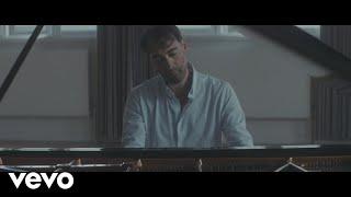 Alistair McGowan - Gnossienne No. 1 (Video)