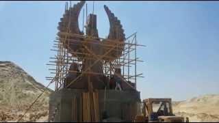 أول ظهور لتمثال الحرية فى مدخل قناة السويس الجديدة بأرتفاع 20مترا