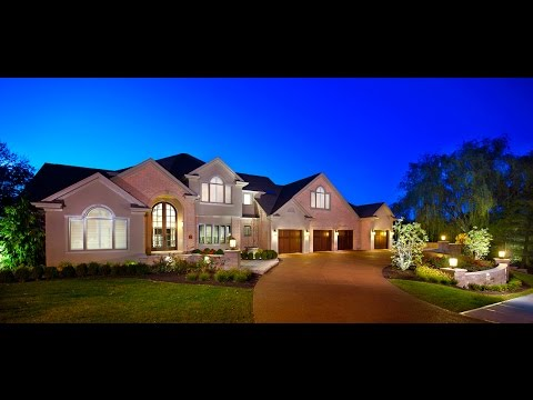 Designer Suburban Estate in Monroeville, PA