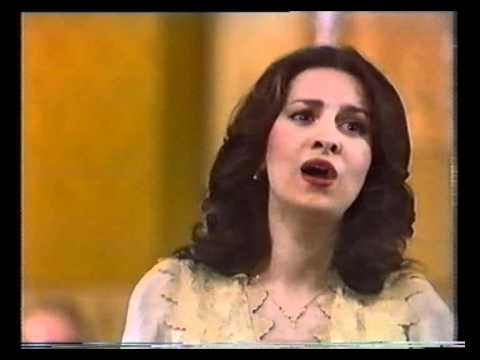 Angela Gheorghiu - Anna Bolena: Piangete voi? donde tal pianto? - Radio Hall Bucharest