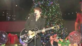 Drake Bell - Speak My Mind (Hollywood Christmas Parade 2010) Live