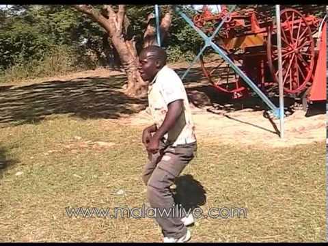 MOFFAT ALIGIZA in Lozi, Malawi Guitar and Dance Galore