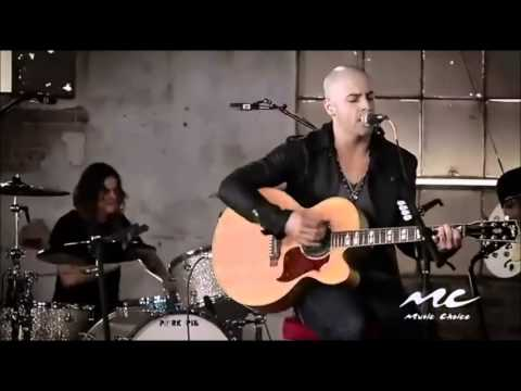 Crawling back to you- Daughtry acoustic
