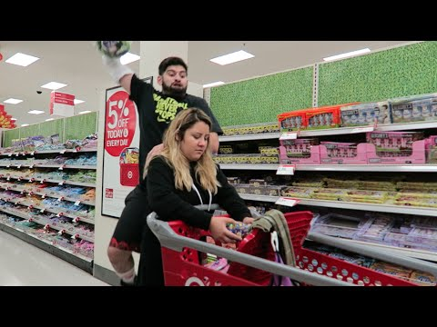 Guy Makes a Montage of Him Dunking on His Girlfriend While Shopping
