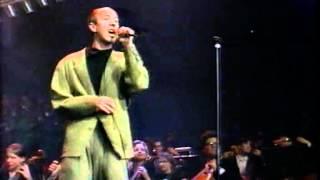 Night of the Proms Antwerpen 1992:Raymond van het Groenewoud: Liefde voor Muziek.