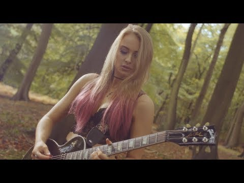 Sophie Lloyd - Delusions (Official Video)