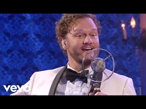 David Phelps - It Must Be Christmas (Live) Mp3