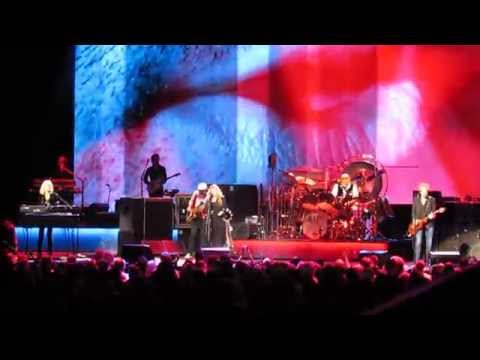 Fleetwood Mac - &39;Little Lies&39; - Madison Square Garden - NYC - 12215