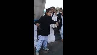 Nitt di narazgi teri, meri kad ke na jaan le jve | A school girl singing | Awesome Voice