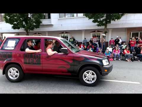 Grants Pass Memorial Day Parade 2015 (rogue community college)