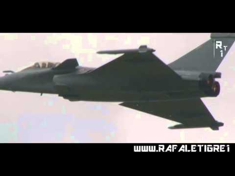 Máy bay chiến đấu Rafale trình diễn tính năng
