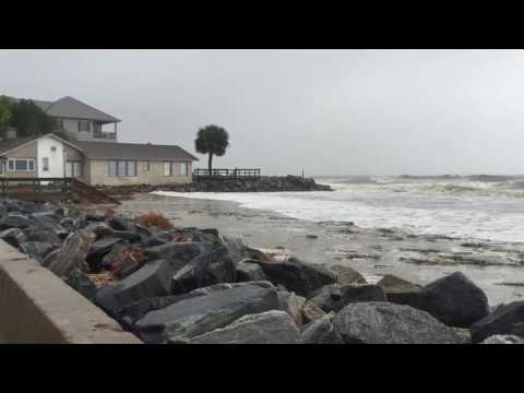 Wind and waves from Hurricane Matthew increase on St. Simons Island