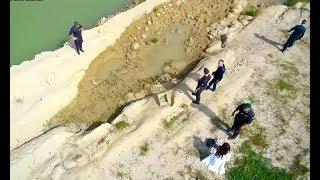 Suspicious Cops Follow Hikers, Discover Ancient Tomb