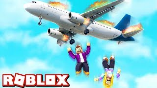 I FALL FROM THE AIRPLANE DOWN IN ROBLOX!
