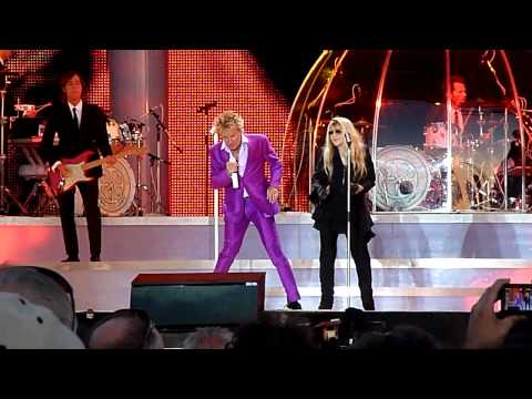 "Rod Stewart & Stevie Nicks - ""Young Turks"" - Hyde Park, London 26/06/11"