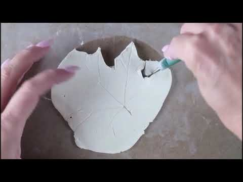#MakeitMonday | Let's make Clay Leaf Dish