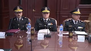 عقد السيد محمود توفيق وزير الداخلية إجتماعاً ، مع عدد من مساعدى الوزير والقيادات الأمنية