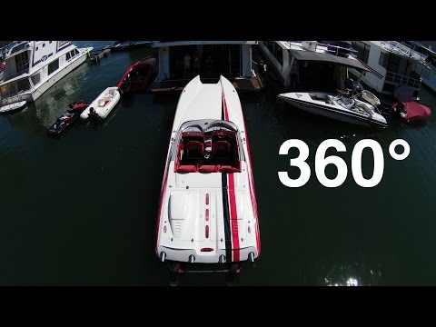 Offshore Power Boat in 360°