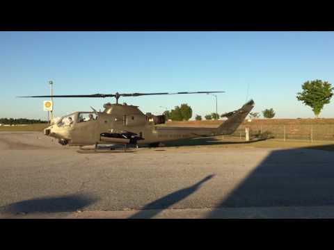 AH-1 Cobra startup