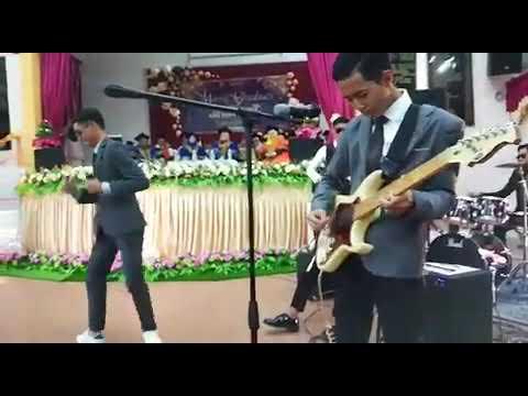 band SMKDL (Kugiran Masdo Teruna dan Dara mashup Menghapus Jejakmu)