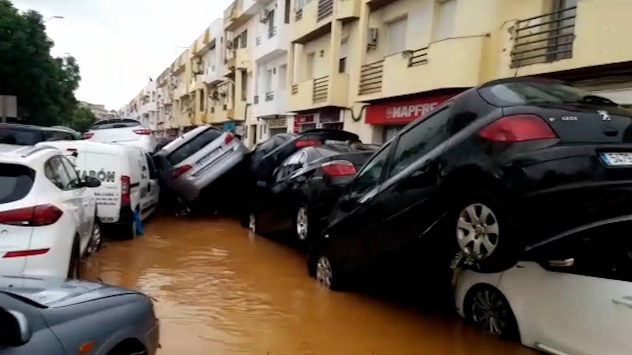Download La lluvia provoca inundaciones en varios municipios de Badajoz y Huelva