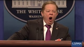 SNL  SEAN SPICER VS SEAN SPICER PRESS CONFERENCE MELISSA MCCARTHY😬