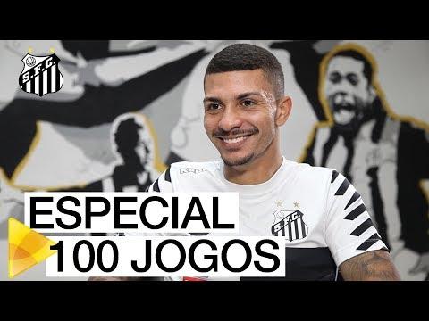 Alison celebra os 100 jogos com a camisa do Santos FC