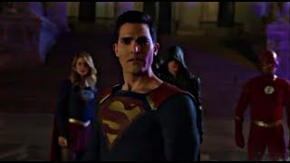 The Flash 5×09 Clark, Kara, Oliver and Barry team up