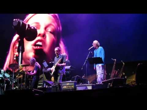 James Taylor - Shower the People-live in Beira Rio-Porto Alegre Brazil by Gilson Anderson April 2017