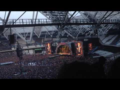 AC/DC ft. Axl Rose - Rock or Bust World Tour - London 2016