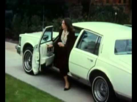 SUBURBIA (1984) - Punk Parade scene