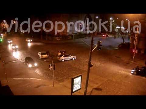 Ночное ДТП на Большой Васильковской в Киеве