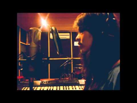 Upbeat Studio/Peach/Little House