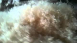 Fabrication matelas de laine Drome. Etape 1 le cardage.