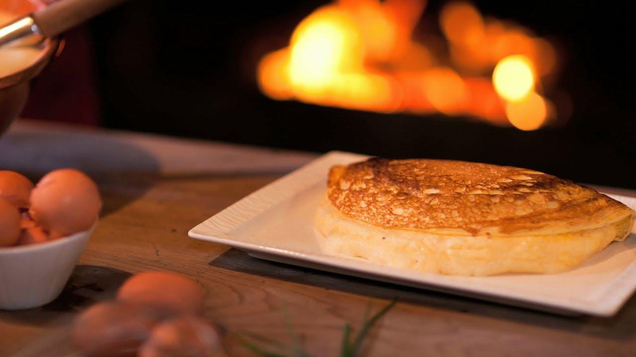 annie challenges lamere poulard 50 french omelette youtube. Black Bedroom Furniture Sets. Home Design Ideas
