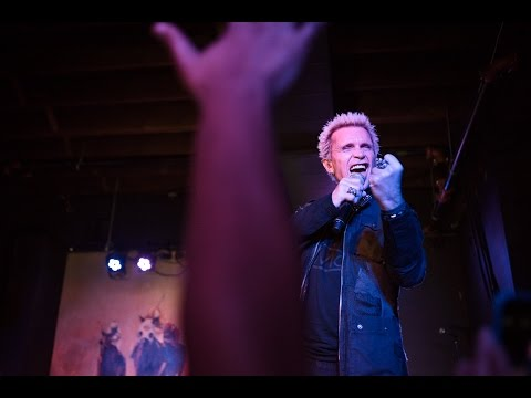 Billy Idol  White Wedding  at the Turf Club for The Currents 10th Anniversary