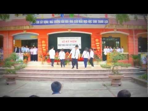 Nhảy flashmob Dream High THPT Thượng Cát 20/11/2012