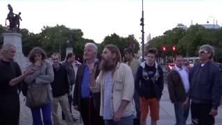 Raiffeisen wurde mit  Hypo Alpe Adria gerettet   Life Ball Demo in Wien 19 05 2014