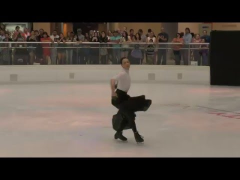 Johnny Weir - Beauty Live on Ice Performance - Galleria Dallas