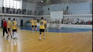 игроки СГАУ Саратов благодарят болельщиков