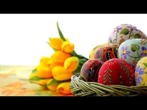 Освящение кулича и яиц в субботу перед Пасхой.