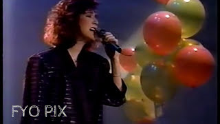 CÉLINE DION - D'amour ou d'amitié (En public / Live) 1986