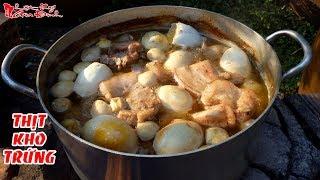Hái Cả Buồng Dừa Nấu Nồi Thịt Kho Trứng Ăn Tết | NKGĐ