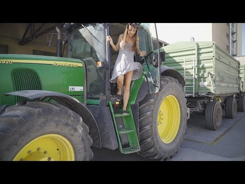 Farmer girl takes the harvest with the John Deere to the warehouse from YouTube · Duration:  2 minutes 25 seconds
