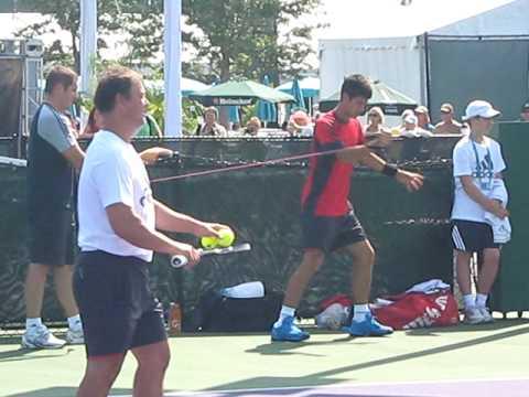 Novak Djokovic Stretching - Sony Ericsson Open - Miami - 2009