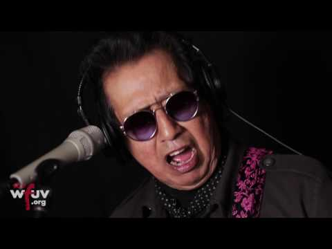 "Alejandro Escovedo - ""Horizontal"" (Live at WFUV)"