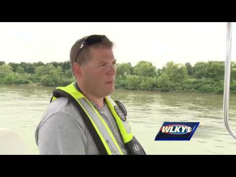 LMPD River Patrol, Dive Team training on Ohio River