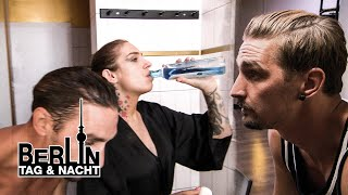 Mundspülung für Leons bestes Stück 🌊😮🍆 #2017 | Berlin - Tag & Nacht