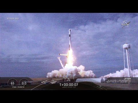 Компания SpaceX взорвала ракету Falcon 9 и отработала эвакуацию астронавтов с ракеты в случае аварии